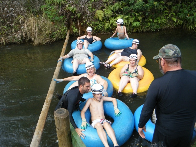 Kauai, Hawaii, Tubing the Hanamaulu Ditich System | World